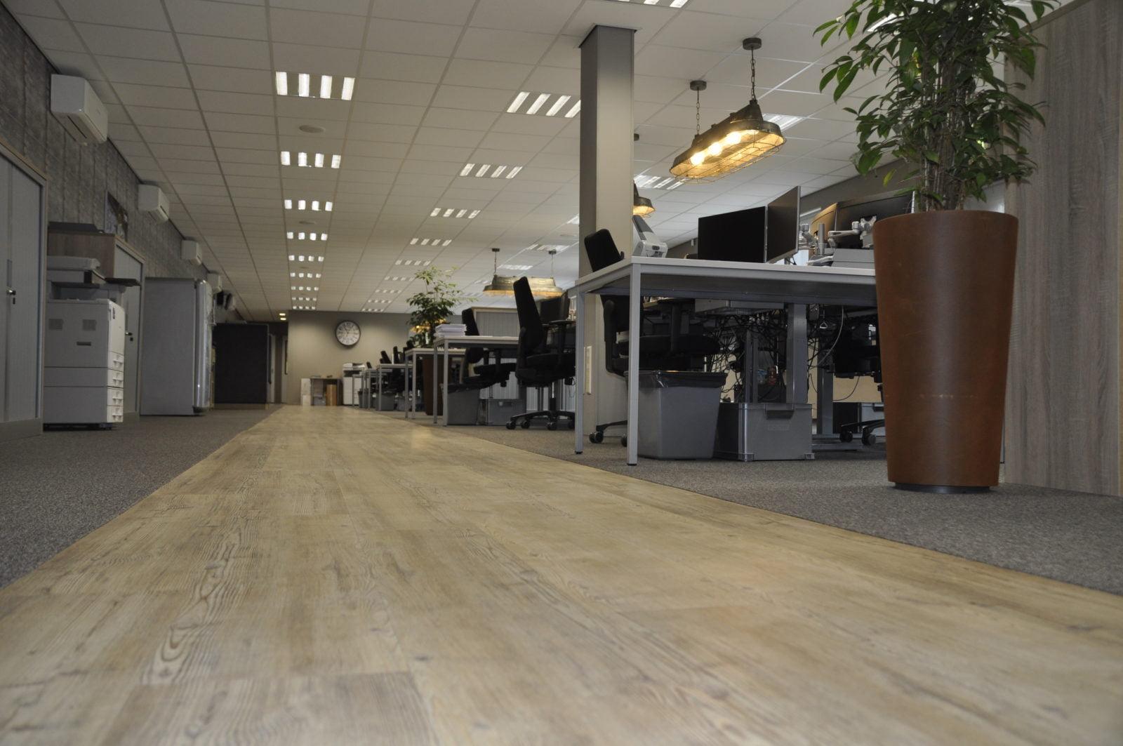 PVC-stroken-vloer-kantoor-Amsterdam